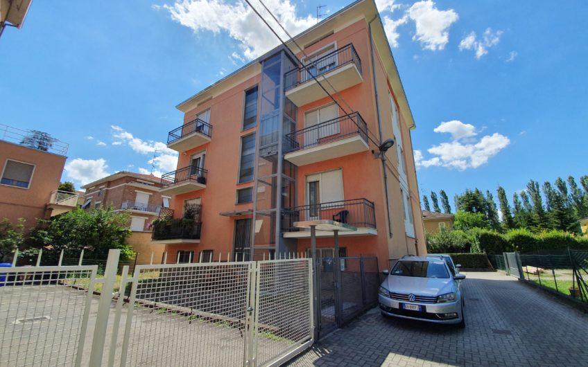 Trilocale RISTRUTTURATO Zona Via Mantova – Parma