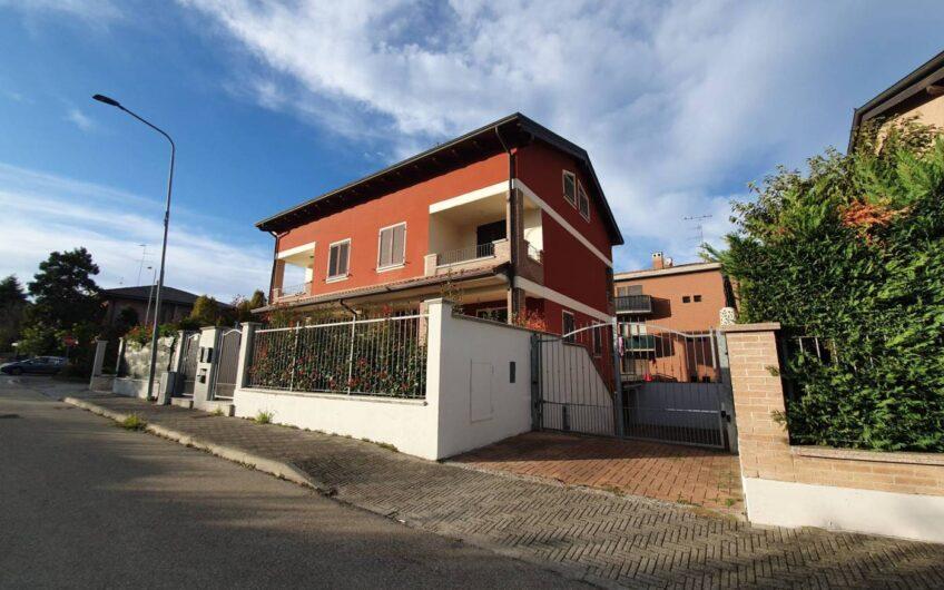 Villa bifamiliare, Montechiarugolo