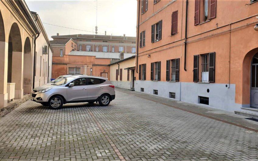 Trilocale via Verona 14, Parma