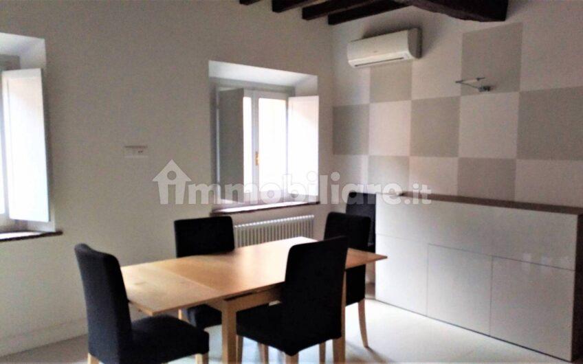 Appartamento Strada Luigi Carlo Farini, Parma
